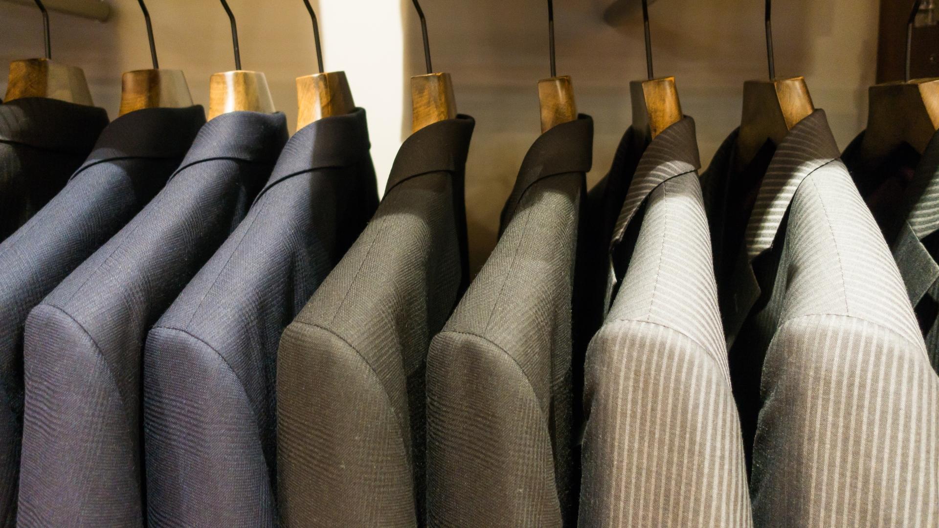 クローゼットのスーツ
